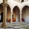 Palazzo Steri - Il cortile porticato - foto archivio A.Gaetani